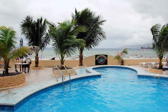 tresure island hotel pool