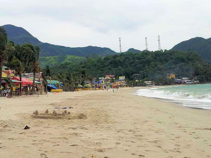 Sandburgen bauen am white beach