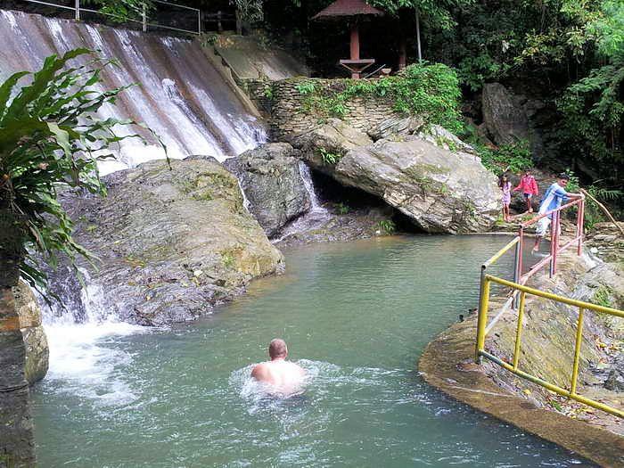 ein bad bei den trip to Tamaraw Falls