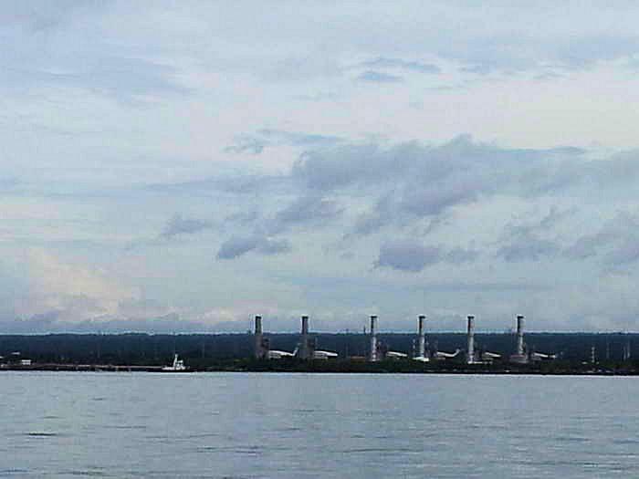 Die Hafeneinfahrt von Batangas