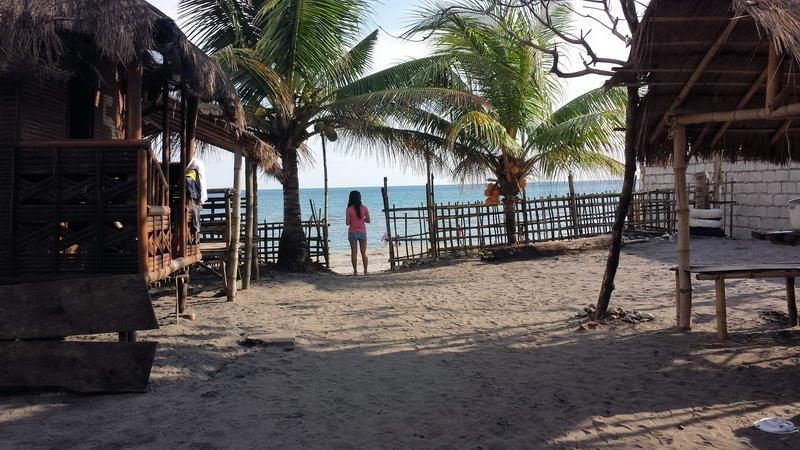 morong_beach_bataan_2015_02