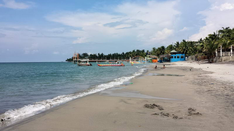 morong_beach_bataan_2015_10