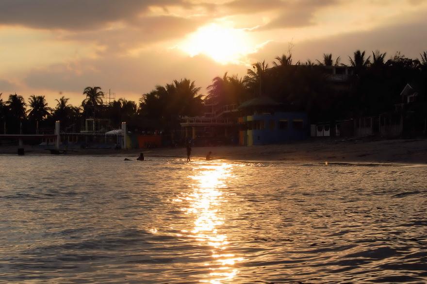 sunset-morong-beach-philippinen-blog