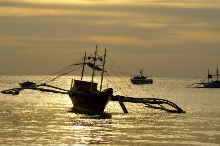sunset-beach-boat-philippinen-blog