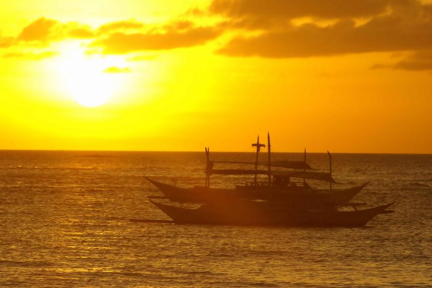 sunset-beach-boracay-banca-philippinen-blog