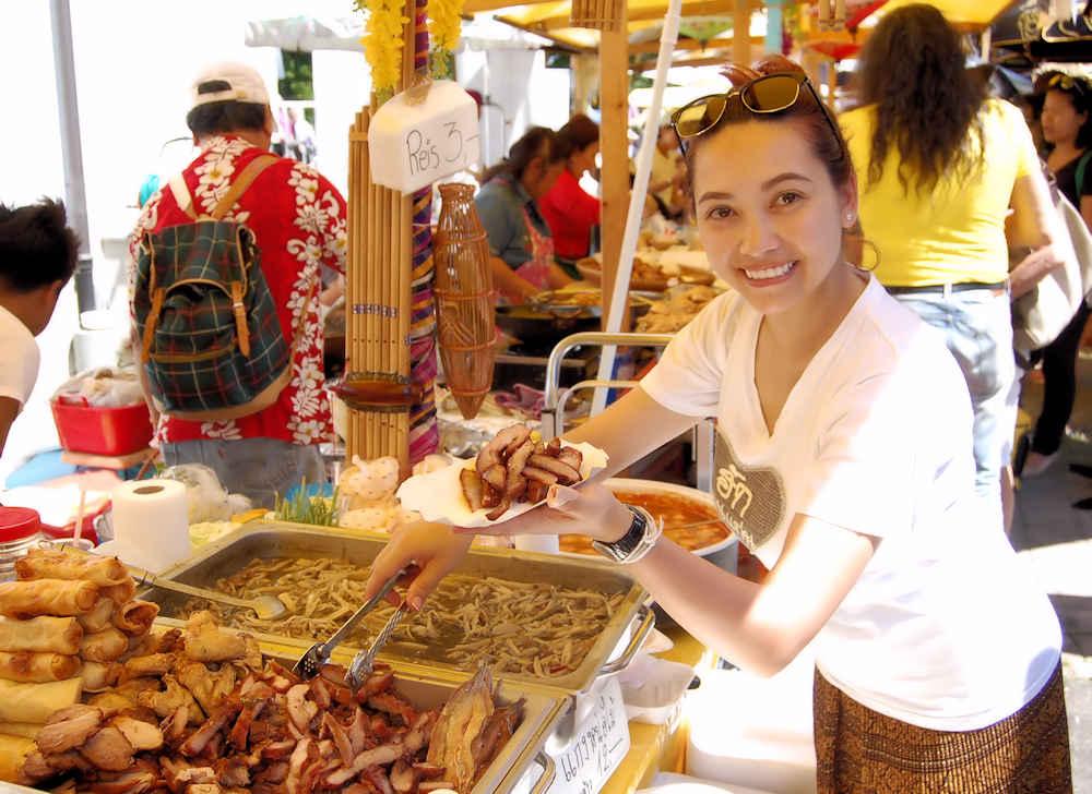 thai-presents-food