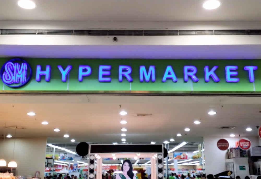 hypermarket-sign