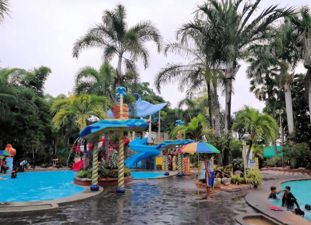 kids_swimming_pool