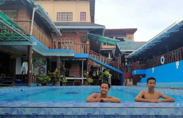 anda-de-boracay-pool